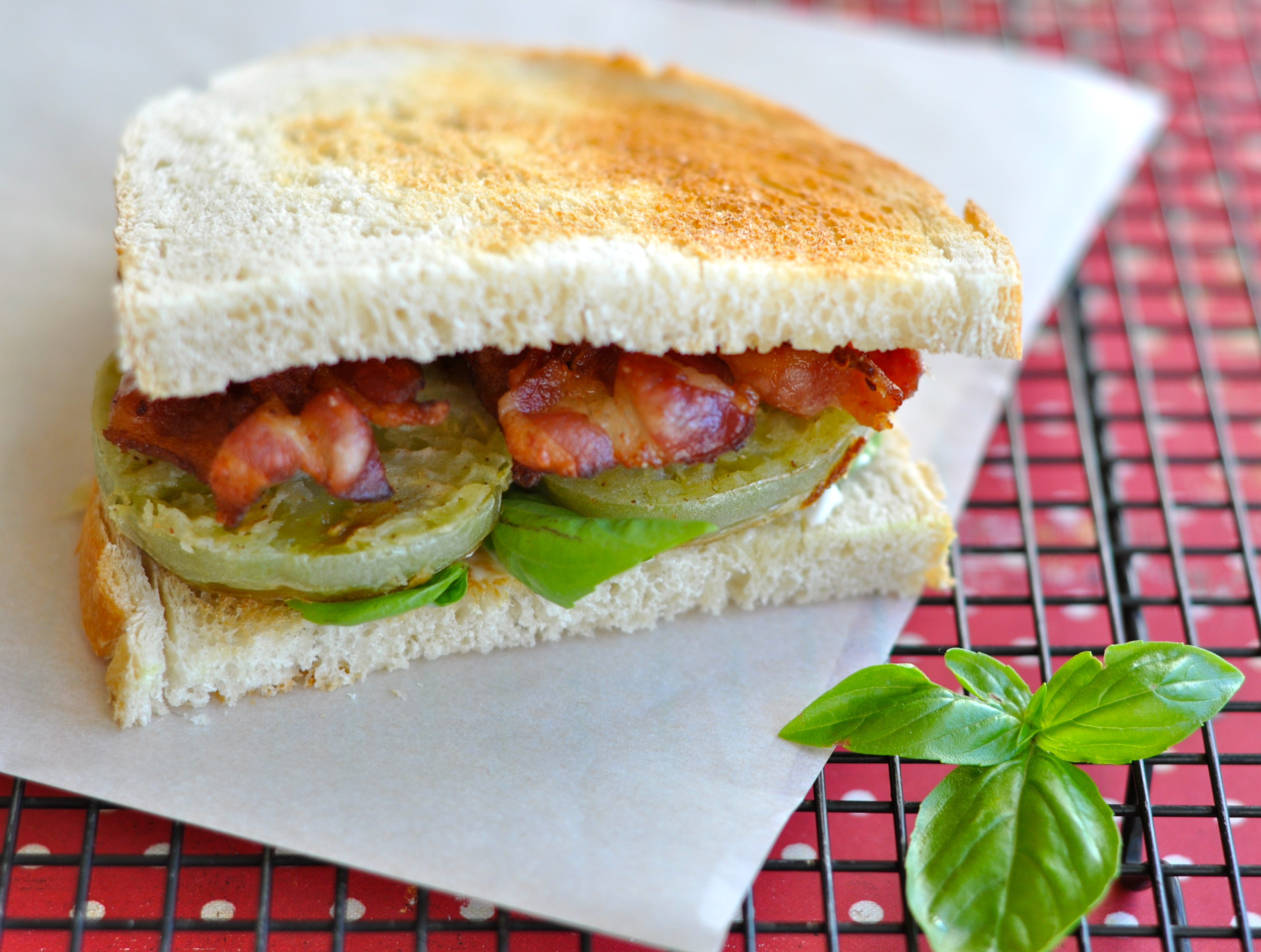 Heirloom Tomato Sandwiches Country Living Dsc
